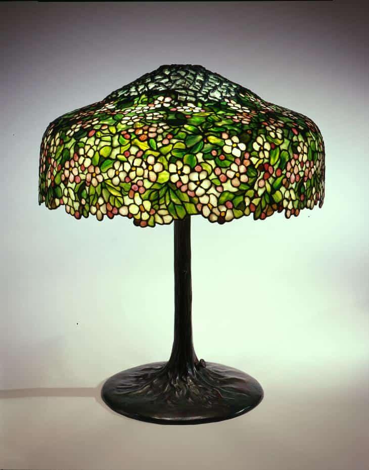 green glass tiffany lamp